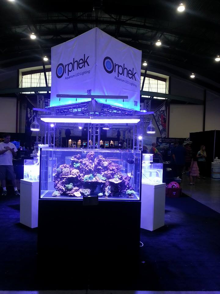 Orphek-stand-Marin-acuario-expo-2014