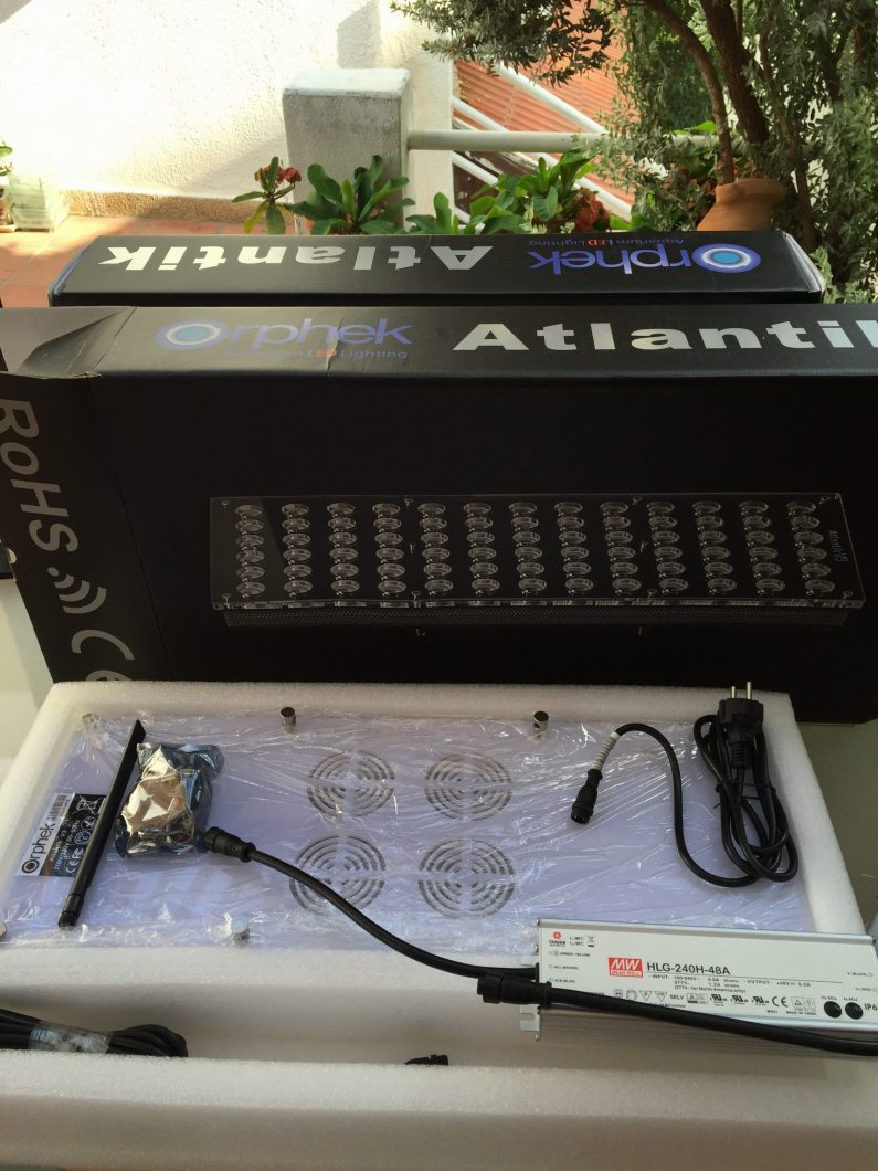 Orphek_Atlantik_v3_plus_in_box_parts