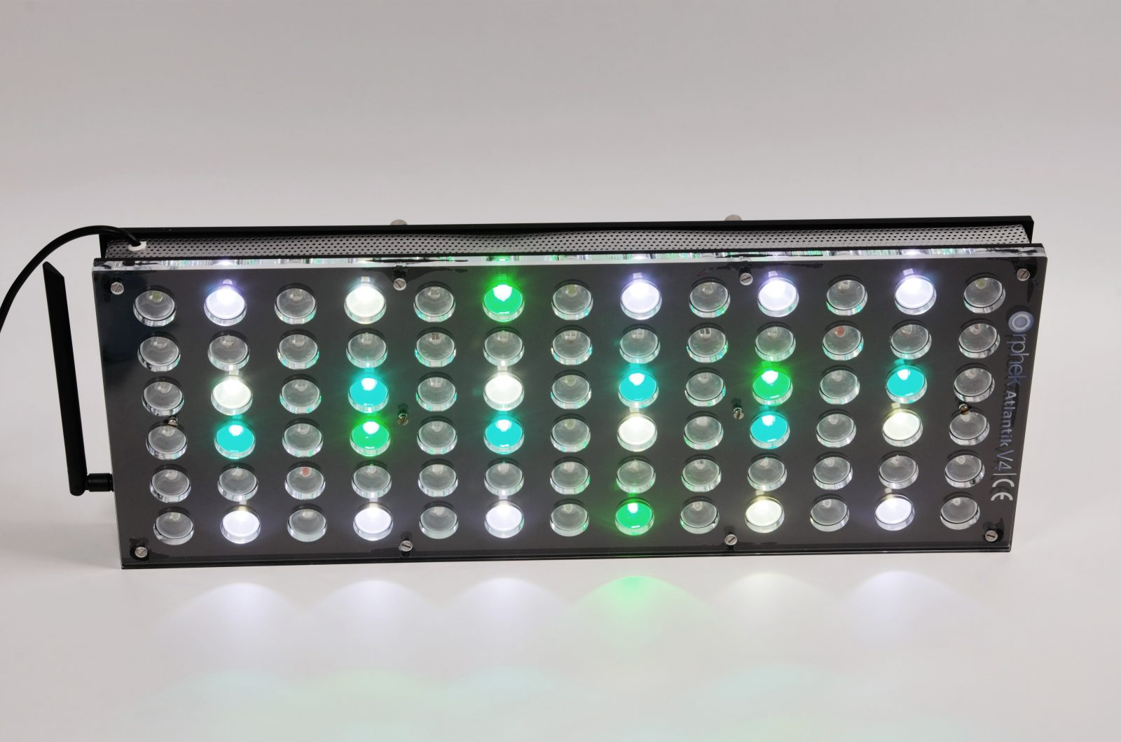 Orphek-Aquarium-LED-Lighting-Reef-Atlantik-V4-light-on-channel 1