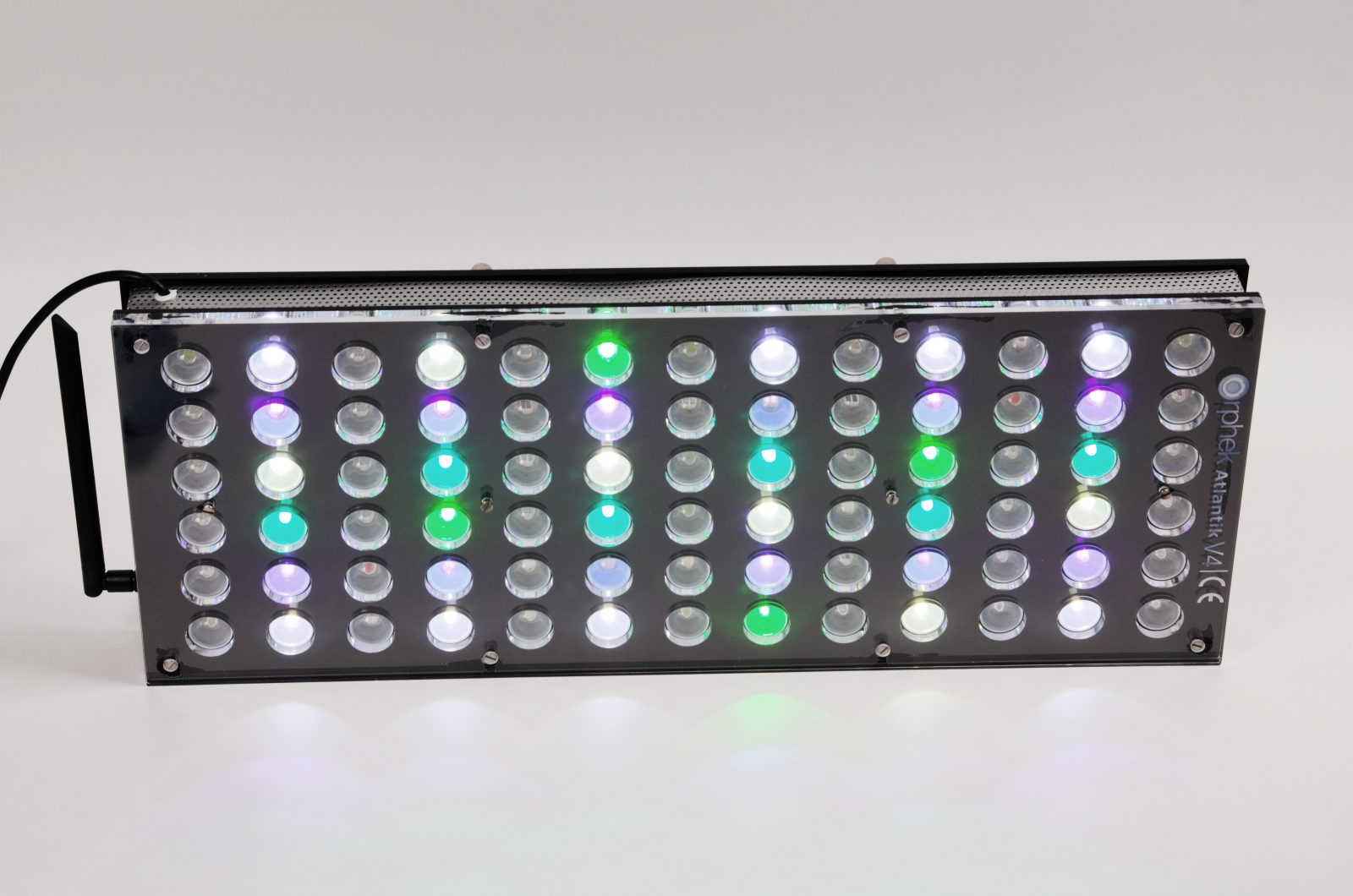 Orphek-Aquarium-LED-Lighting-Reef-Atlantic-V4-light-on-channel 1 + 3