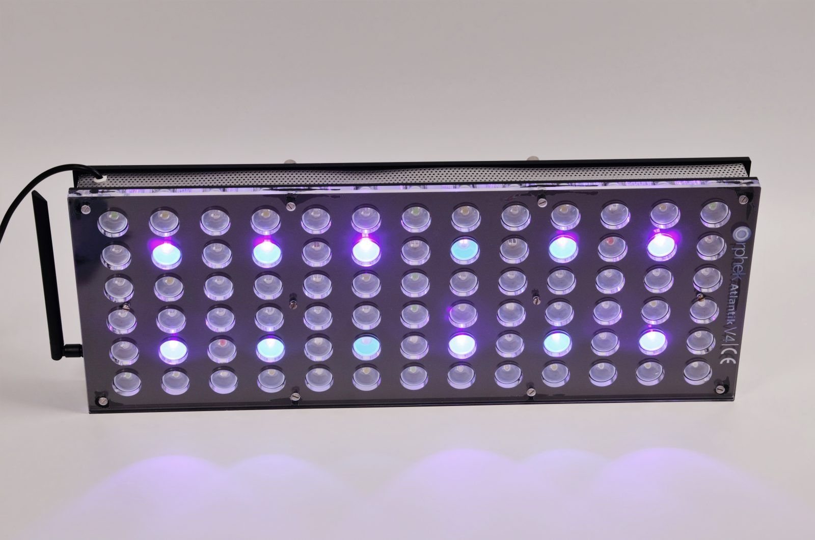 Orphek-Aquarium-LED-Lighting-Reef-Atlantik-V4-אור בערוץ 3