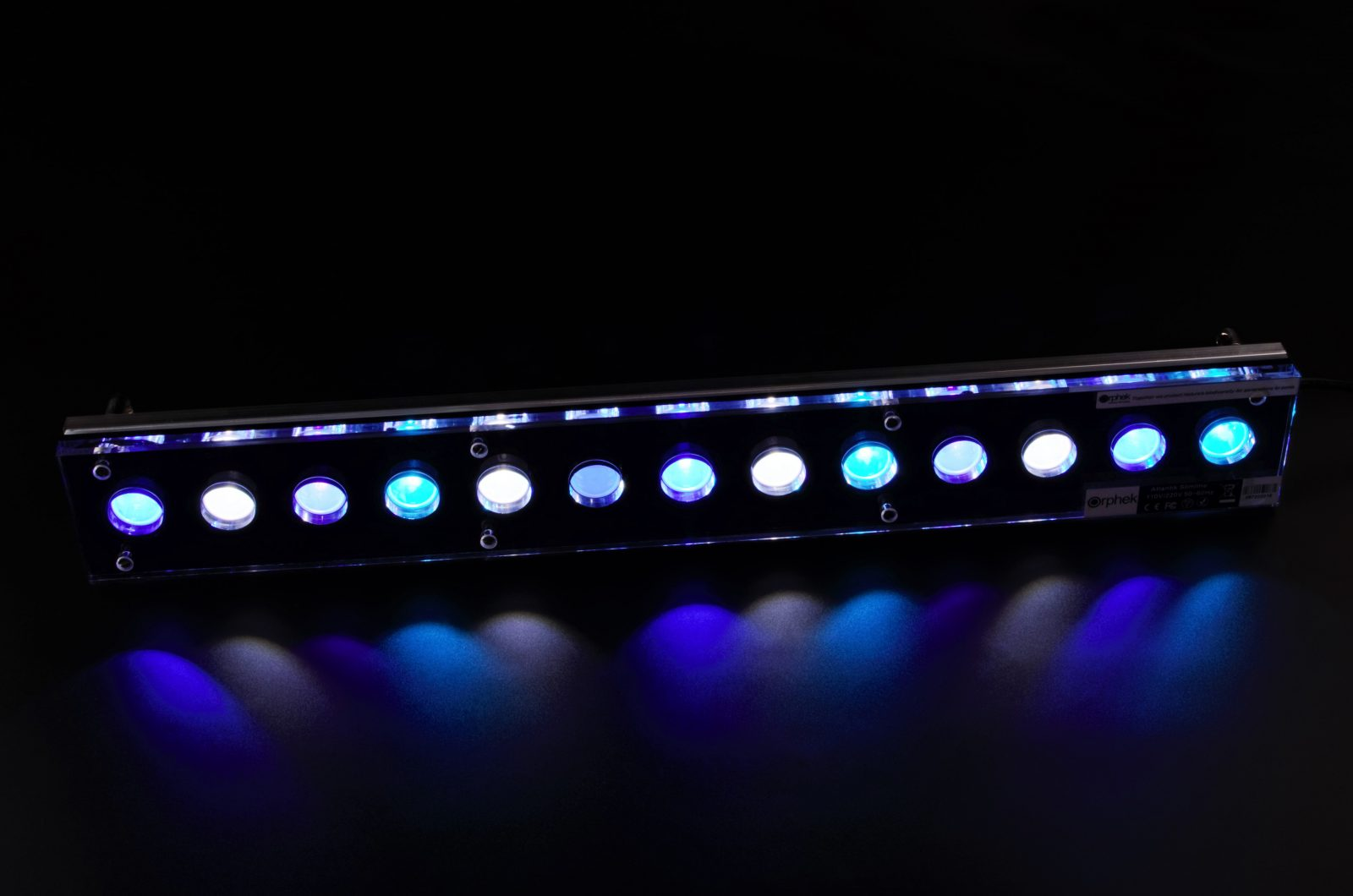 Orphek-Aquarium-LED-Light-Atlantik-Slimline-V4-Риф