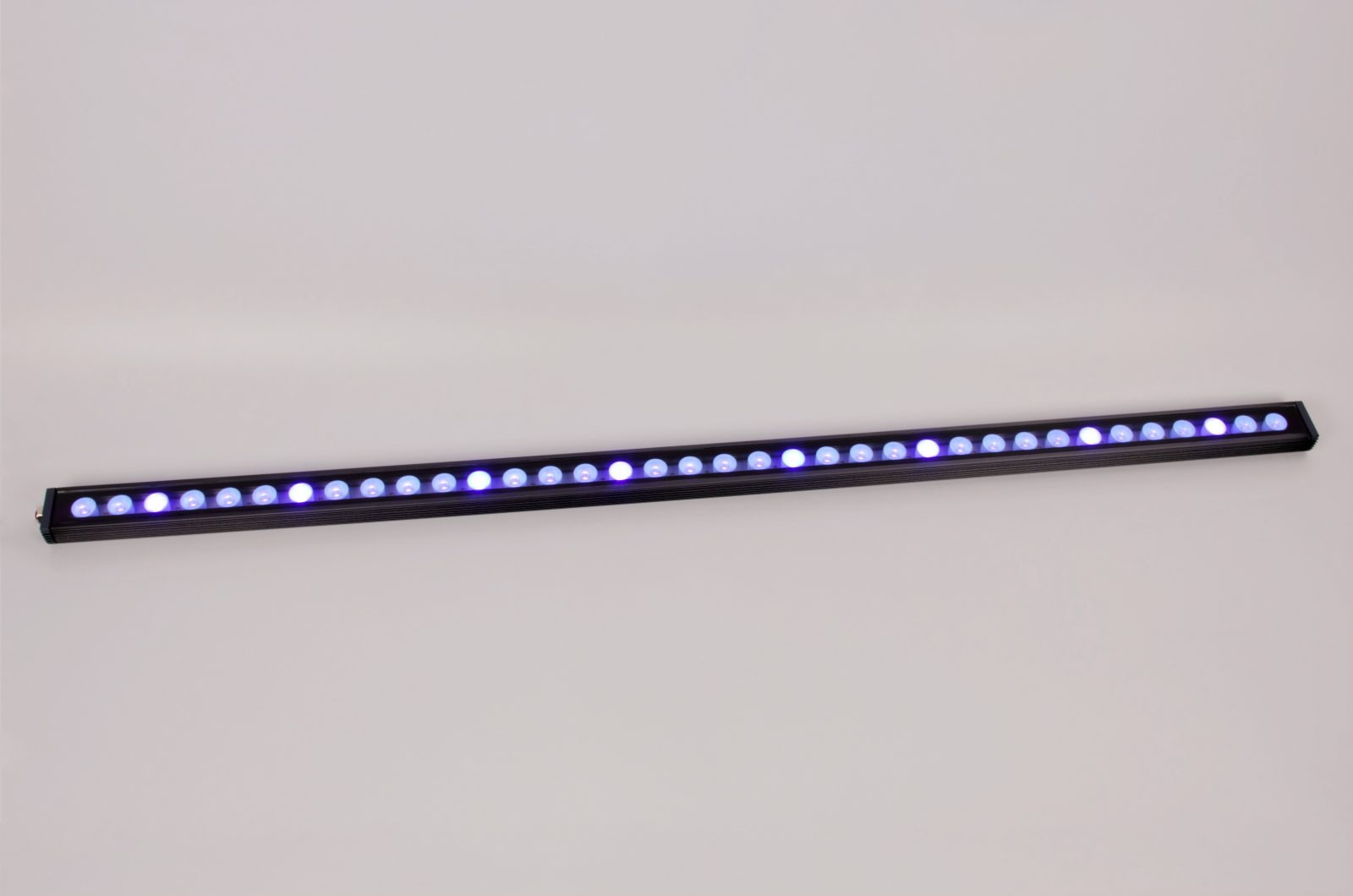 48-inch-aquarium-éclairage-LED-Orphek-OR-120-reef violet